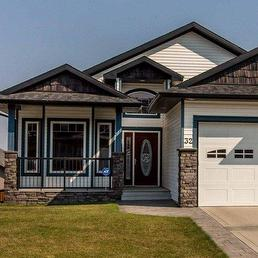 Just reduced this walkout bungalow to $434,700 with great value it sits on a quiet close in beautiful Sylvan Lake, Alberta