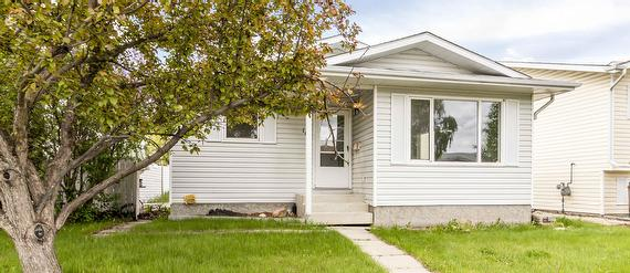 Fully finished bungalow for Sale in Red Deer Alberta on a quiet crescent in Eastview Estates